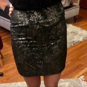 Size M Black and silver straight pencil skirt